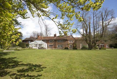 Dunsborough Park - Surrey - Savills