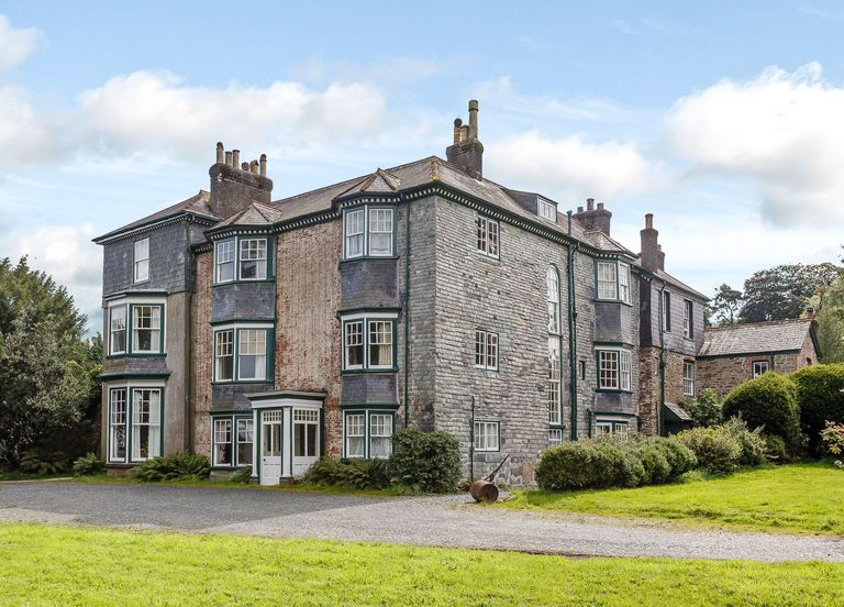 This 10-bedroom Devon Country House Is The Same Price As A Small ...