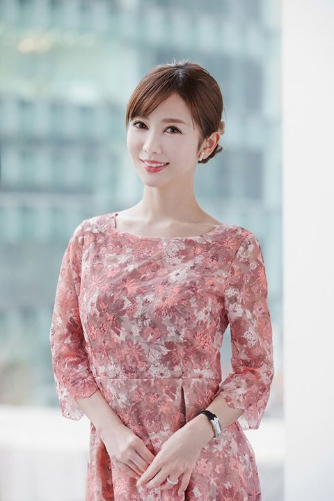 Clothing, Shoulder, Pink, Skin, Sleeve, Beauty, Neck, Fashion, Hairstyle, Dress,