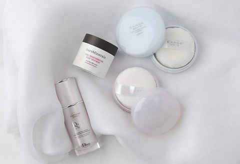 Product, Text, Cosmetics, Circle, Chemical compound, Health care, Cylinder, Silver, Skin care, Transparent material,