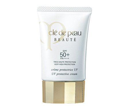 Product, Skin care, Water, Cream, Cream, Lotion, Hand, Moisture, Beige, Fluid,