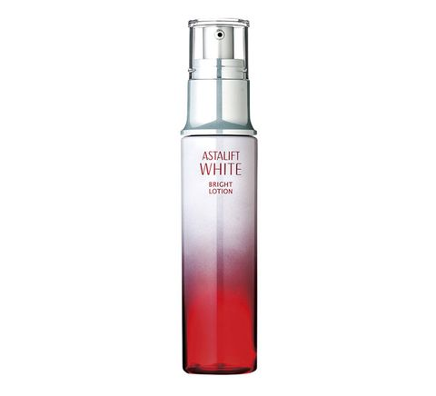 Product, Perfume, Beauty, Water, Spray, Fluid, Material property, Liquid, Moisture, Skin care,