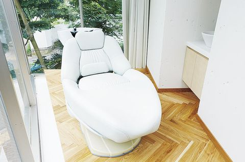 Product, Property, Furniture, Room, Toilet, Chair, Interior design, Floor, Architecture, Plumbing fixture,