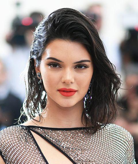 Hair, Lip, Face, Eyebrow, Hairstyle, Fashion model, Beauty, Black hair, Skin, Fashion,