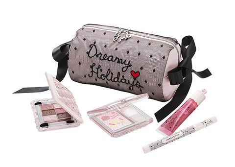 Bag, Fashion accessory, Material property, Handbag, Diaper bag, Coin purse,