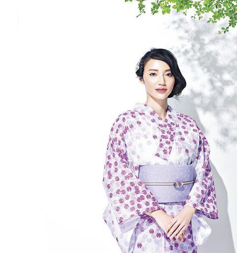 Clothing, Kimono, Purple, Costume, Textile, Sleeve, Flower,