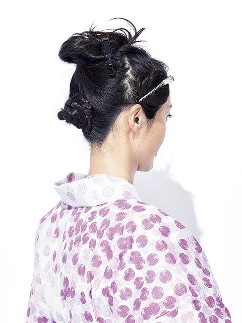 Hair, Hairstyle, Bun, Chignon, Black hair, Neck, Long hair, Hair accessory, Shimada, Ear,