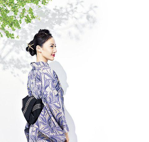 White, Clothing, Shoulder, Beauty, Hairstyle, Sleeve, Fashion, Neck, Fashion model, Kimono,