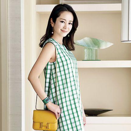 Clothing, Yellow, Shoulder, Dress, Neck, Plaid, Sleeve, Pattern, Textile, Waist,