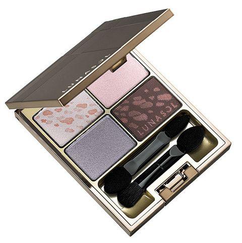 Eye shadow, Violet, Eye, Cosmetics, Pink, Product, Beauty, Purple, Organ, Face powder,