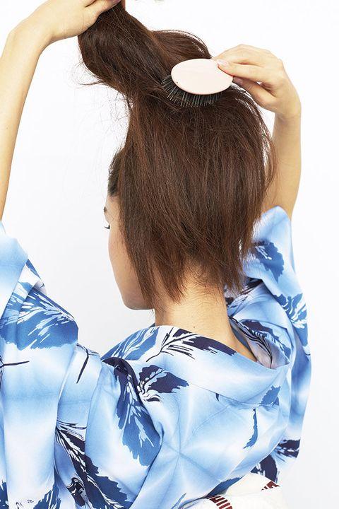Hair, White, Hairstyle, Long hair, Beauty, Brown hair, Hair accessory, Hair coloring, Ear, Black hair,