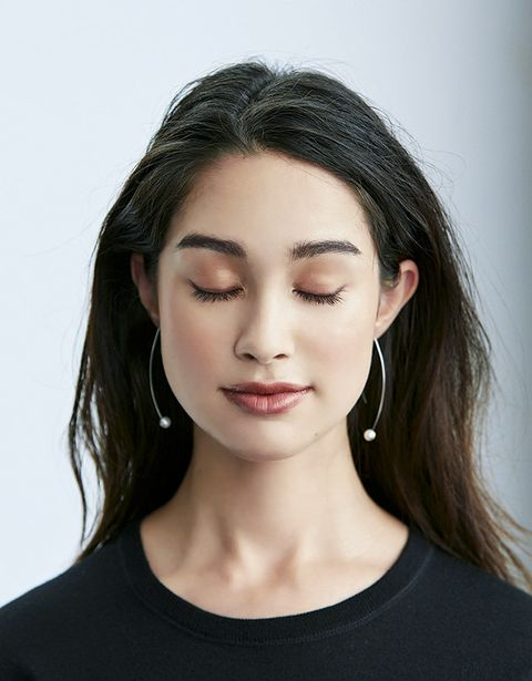 Hair, Face, Eyebrow, Lip, Chin, Hairstyle, Skin, Cheek, Beauty, Shoulder,