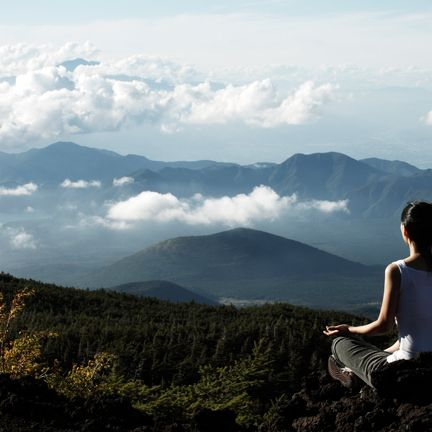 People in nature, Sky, Mountainous landforms, Mountain, Cloud, Hill, Hill station, Highland, Atmospheric phenomenon, Sitting,