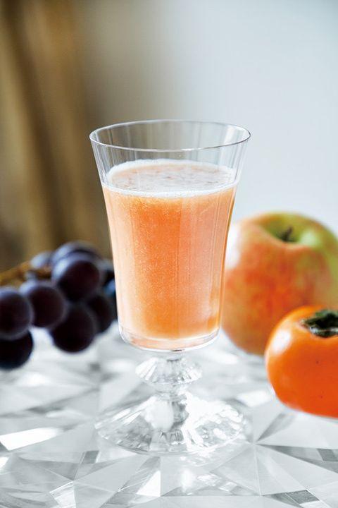 Food, Drink, Juice, Apple, Non-alcoholic beverage, Vegetable juice, Ingredient, Fruit, Smoothie, Apple juice,
