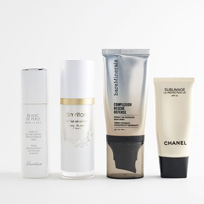 Product, Water, Beauty, Skin care, Beige, Material property, Moisture, Cream, Cosmetics, Fluid,
