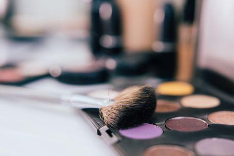 Brush, Eye shadow, Cosmetics, Eye, Beauty, Organ, Makeup brushes, Close-up, Material property, Makeup artist,
