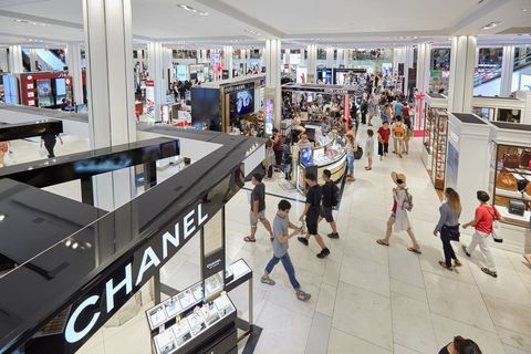 Shopping mall, Building, Retail, Shopping, Outlet store, Architecture, Event, City, Service, Business,