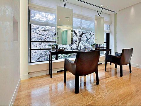 Room, Dining room, Interior design, Property, Furniture, Floor, Building, Wood flooring, Hardwood, Ceiling,