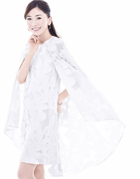 White, Clothing, Shoulder, Dress, Outerwear, Gown, Textile, Neck, Sleeve, Fashion model,