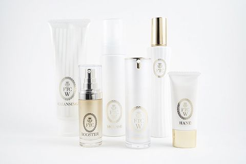 Product, Beauty, Water, Material property, Liquid, Beige, Skin care, Cosmetics, Fluid,