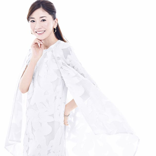 White, Clothing, Shoulder, Dress, Outerwear, Fashion model, Gown, Textile, Neck, Sleeve,