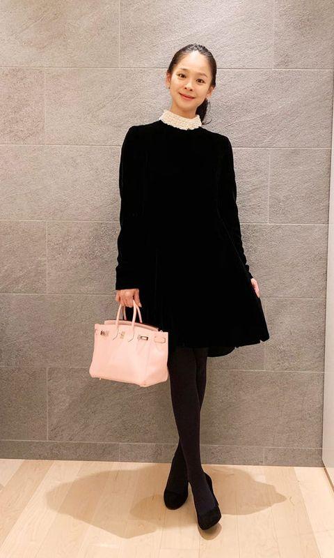 Clothing, Black, Shoulder, Dress, Tights, Fashion, Snapshot, Little black dress, Fashion model, Footwear,