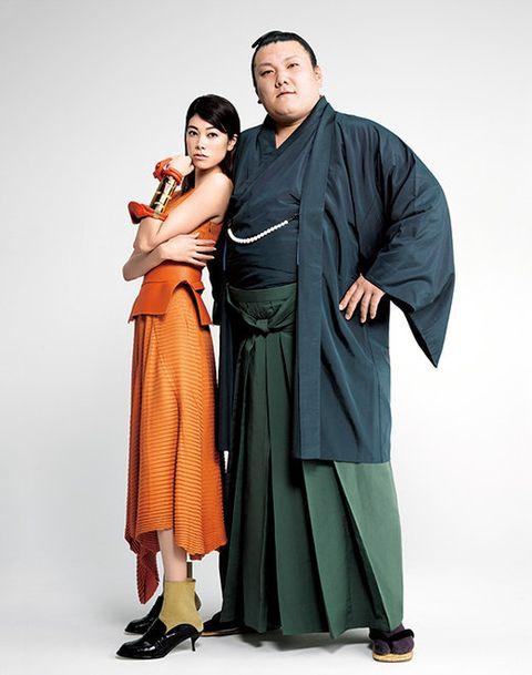 Sleeve, Standing, Interaction, Costume, One-piece garment, Costume design, Fashion design, Love, Drama, Robe,