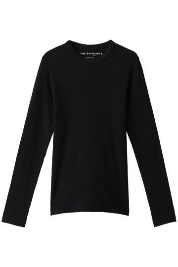 Clothing, Long-sleeved t-shirt, Sleeve, Black, T-shirt, Outerwear, Top, Sweater, Neck, Blouse,