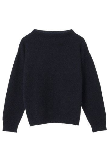 Clothing, Black, Sleeve, Outerwear, Wool, Sweater, Neck, Crop top, Top, Jersey,