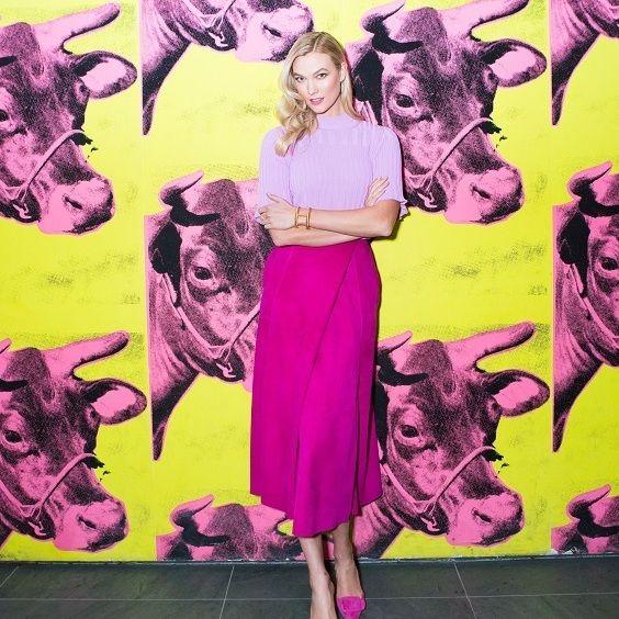 Pink, Art, Magenta, Illustration, Visual arts, Street art, Mural, Painting, Style, Fictional character,