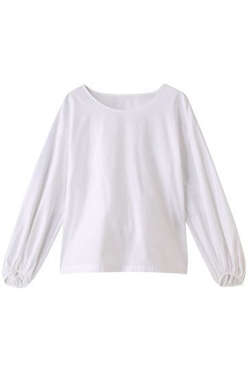 White, Clothing, Sleeve, Blouse, Outerwear, Neck, T-shirt, Top, Crop top, Shirt,