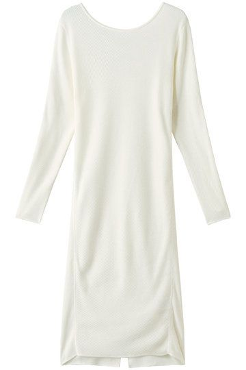 Clothing, White, Sleeve, T-shirt, Outerwear, Neck, Dress, Beige, Long-sleeved t-shirt, Top,