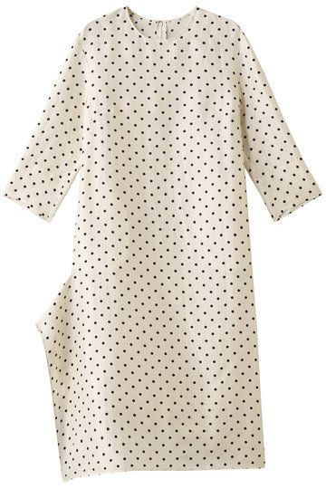 Clothing, White, Pattern, Day dress, Polka dot, Sleeve, Dress, Design, Beige, Pattern,