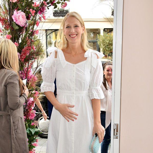 White, Clothing, Street fashion, Fashion, Dress, Pink, Shoulder, Footwear, Snapshot, Blond,