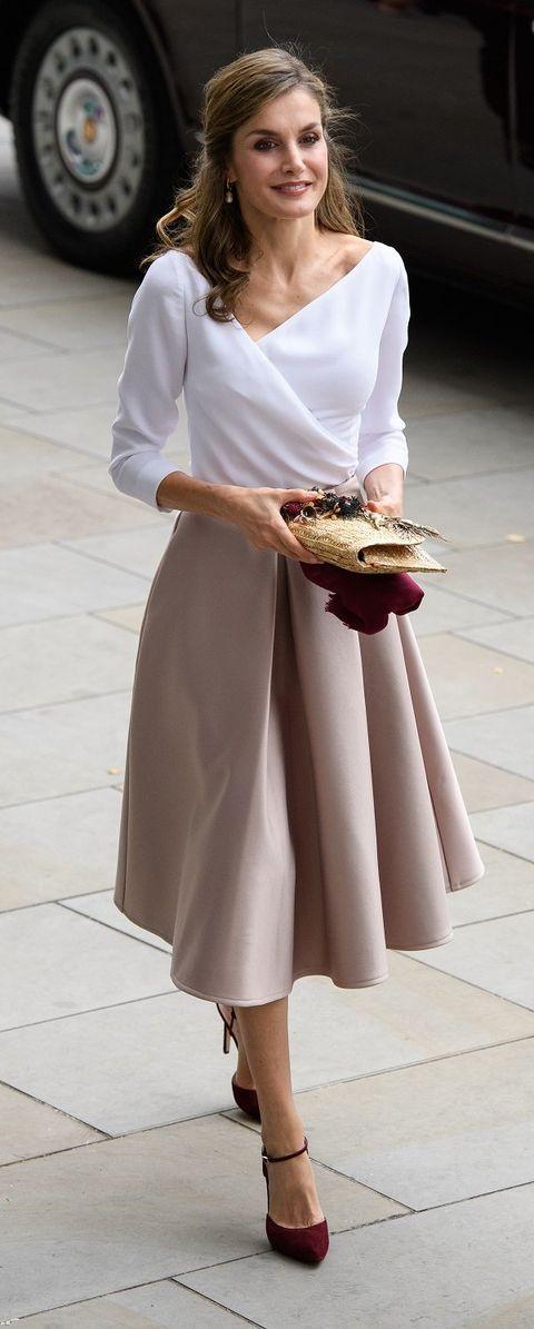White, Clothing, Dress, Fashion, Sleeve, Shoulder, Waist, Beige, Footwear, Textile,