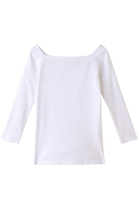 White, Clothing, Sleeve, T-shirt, Blouse, Outerwear, Arm, Top, Neck, Long-sleeved t-shirt,