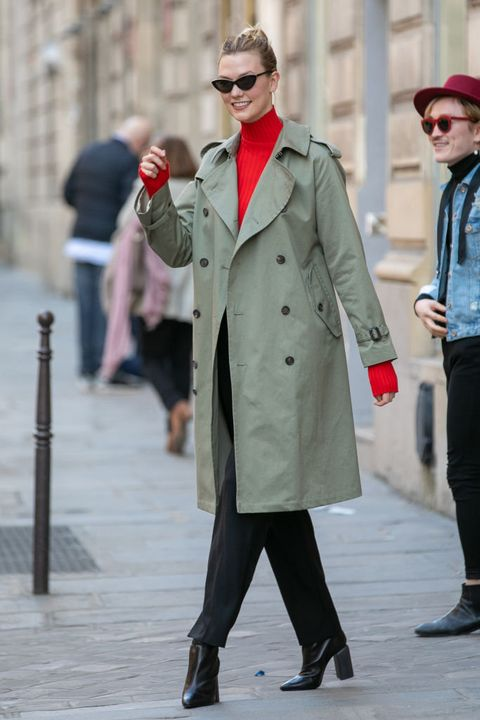 Street fashion, Coat, Clothing, Trench coat, Overcoat, Fashion, Standing, Snapshot, Outerwear, Human,