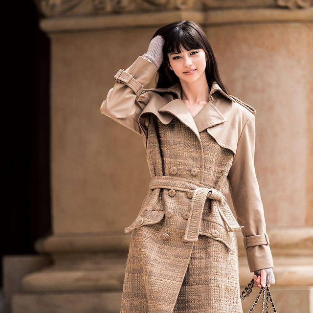 Sleeve, Textile, Bag, Outerwear, Style, Fashion accessory, Street fashion, Fashion, Luggage and bags, Fashion model,