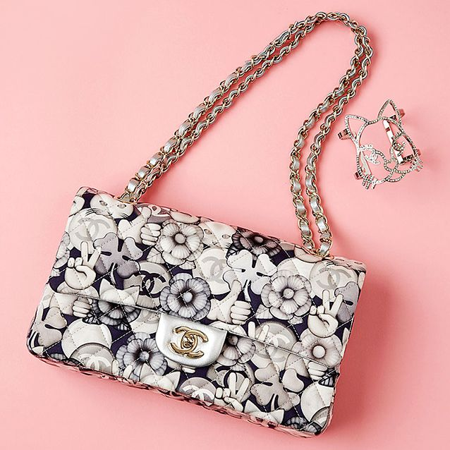 Product, Bag, Pattern, Fashion accessory, Style, Font, Shoulder bag, Luggage and bags, Metal, Material property,