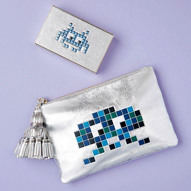 Textile, Rectangle, Pattern, Needlework, Symbol, Square, Embroidery, Craft, Badge, Stitch,