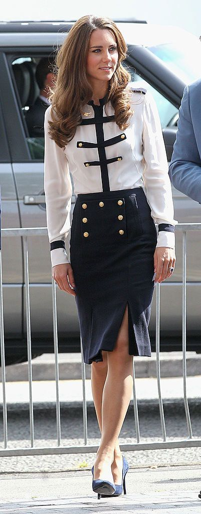 Sleeve, Collar, Textile, Joint, Outerwear, Formal wear, Style, Waist, Uniform, Blazer,