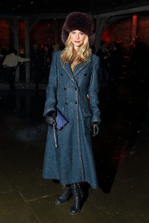 Clothing, Sleeve, Winter, Coat, Textile, Outerwear, Style, Street fashion, Overcoat, Fashion,