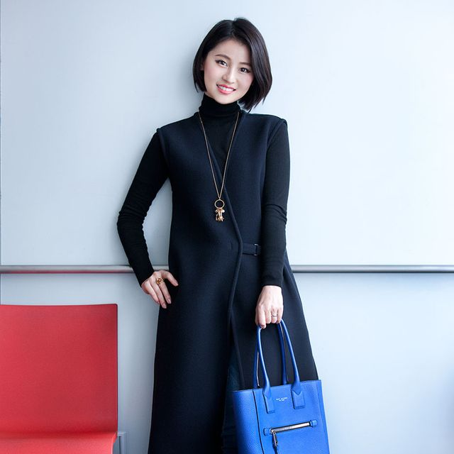 Clothing, Blue, Sleeve, Shoulder, Textile, Joint, White, Style, Dress, Fashion accessory,