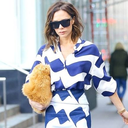 Street fashion, Cobalt blue, Blue, Eyewear, Clothing, Fur, Fashion, Sunglasses, Electric blue, Shoulder,