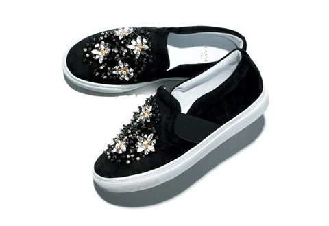 Footwear, Shoe, Black, Sneakers, Product, Plimsoll shoe, Skate shoe, Athletic shoe, Fashion accessory,