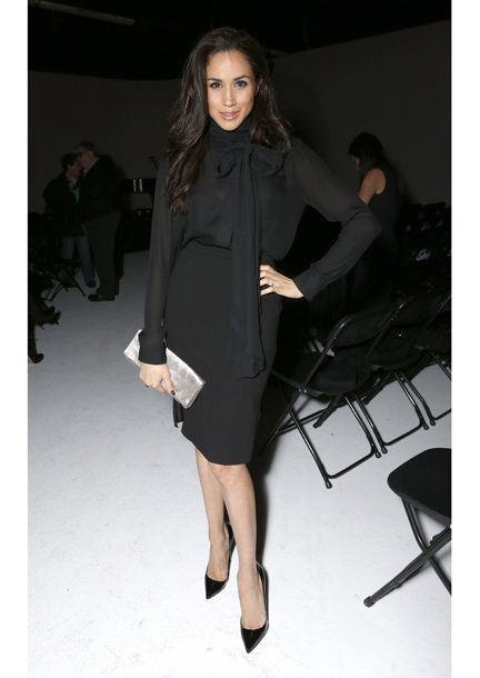 Fashion model, Clothing, Fashion, Fashion show, Shoulder, Dress, Little black dress, Runway, Footwear, Coat,