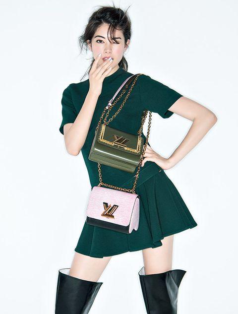 Clothing, Fashion, Costume, Leg, Fashion model, Photo shoot, Thigh, Photography, Knee, Fashion design,