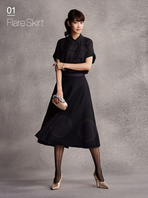 Fashion model, Clothing, Dress, Shoulder, Fashion, Neck, A-line, Photo shoot, Leg, Footwear,