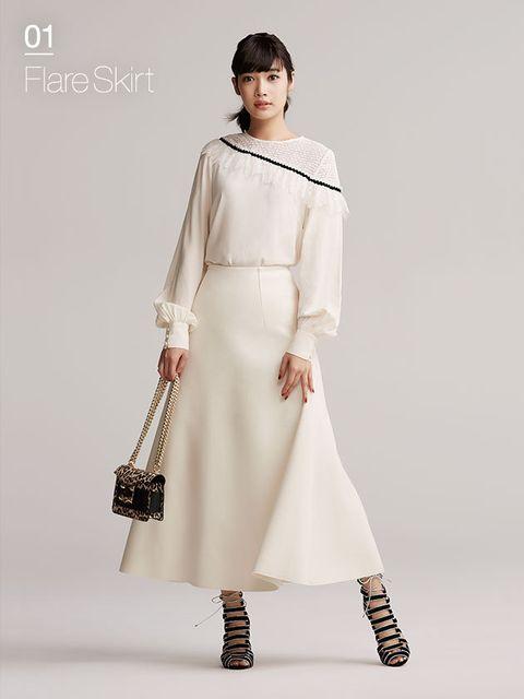 Fashion model, Clothing, White, Shoulder, Fashion, Dress, Neck, Joint, Sleeve, Formal wear,