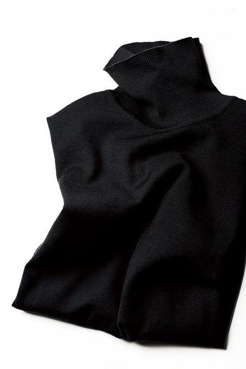 Black, Clothing, Outerwear, Textile, Sleeve, Hood,